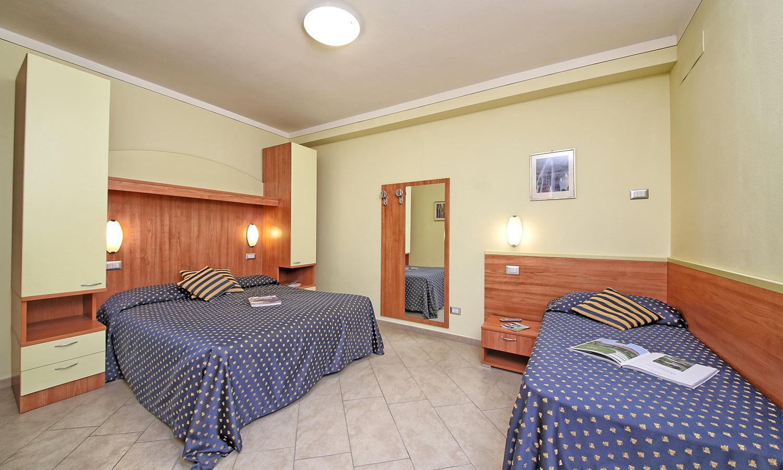 1 zimmer wohnung. Black Bedroom Furniture Sets. Home Design Ideas